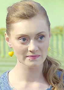 Галина, подруга Анны, швея