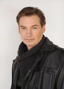 Алексей Леонидов