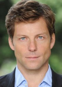 Jamie Bamber Photo