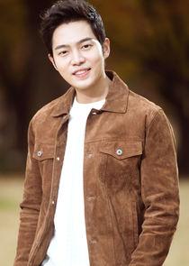 Lee Gun Woo