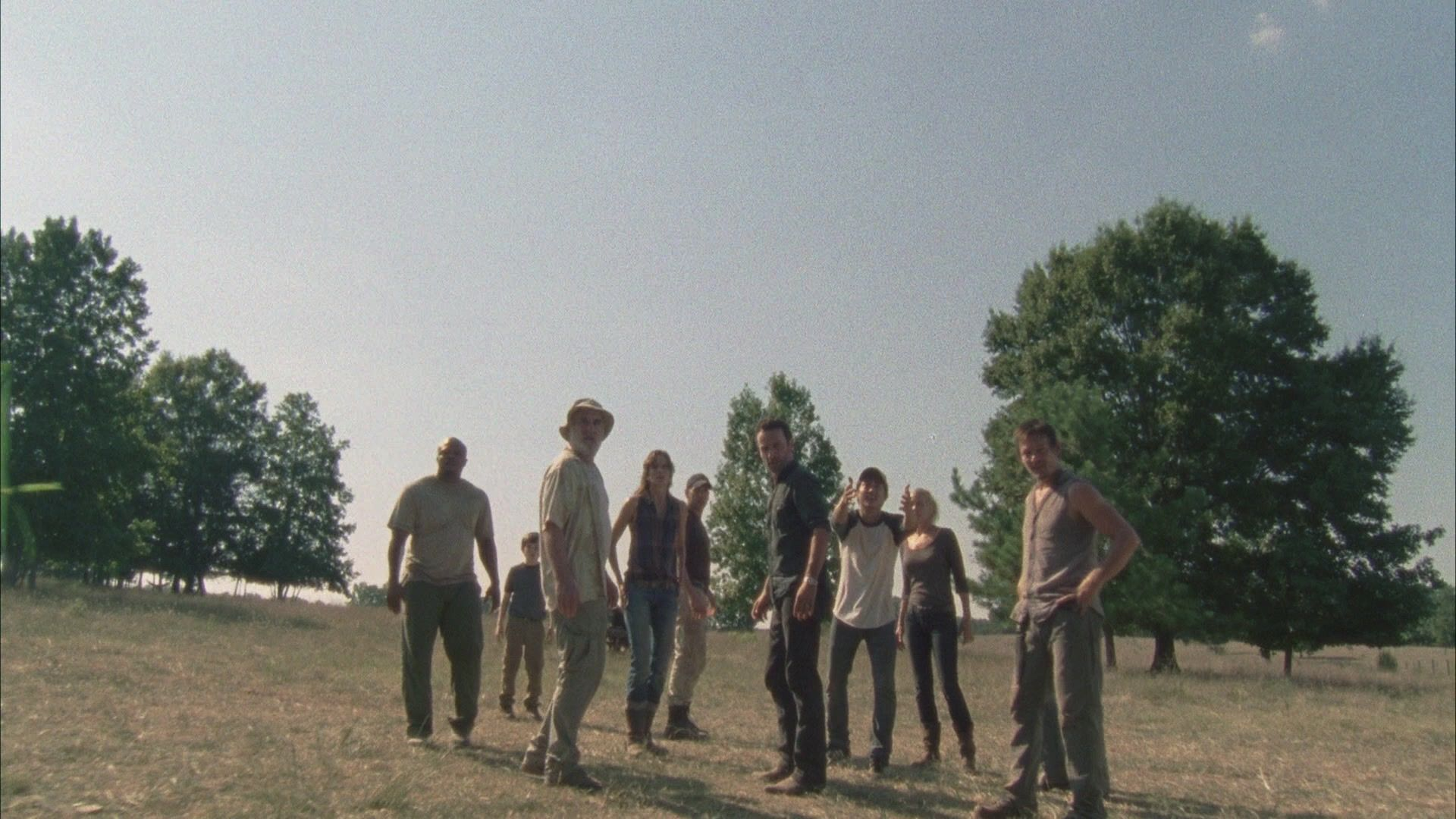 Hershel sets a deadline. All secrets are out in the open. Glenn stands up for himself and Shane takes charge.