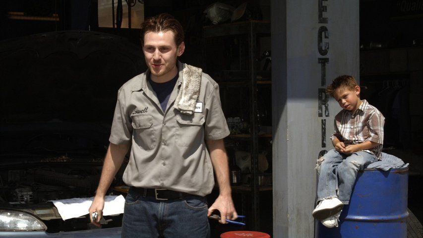 Old Bones Sons Of Anarchy S01e07 Tvmaze Born keir o'donnell on 8th november, 1978 in sydney, new south wales, australia, he is famous for californication. tvmaze com