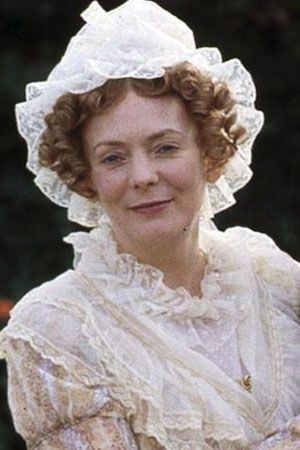 mrs bennet Mrs bennet has an intrusive, an almost physical presence in these first chapters of pride and prejudice , and this effect is accomplished without any description of her person.