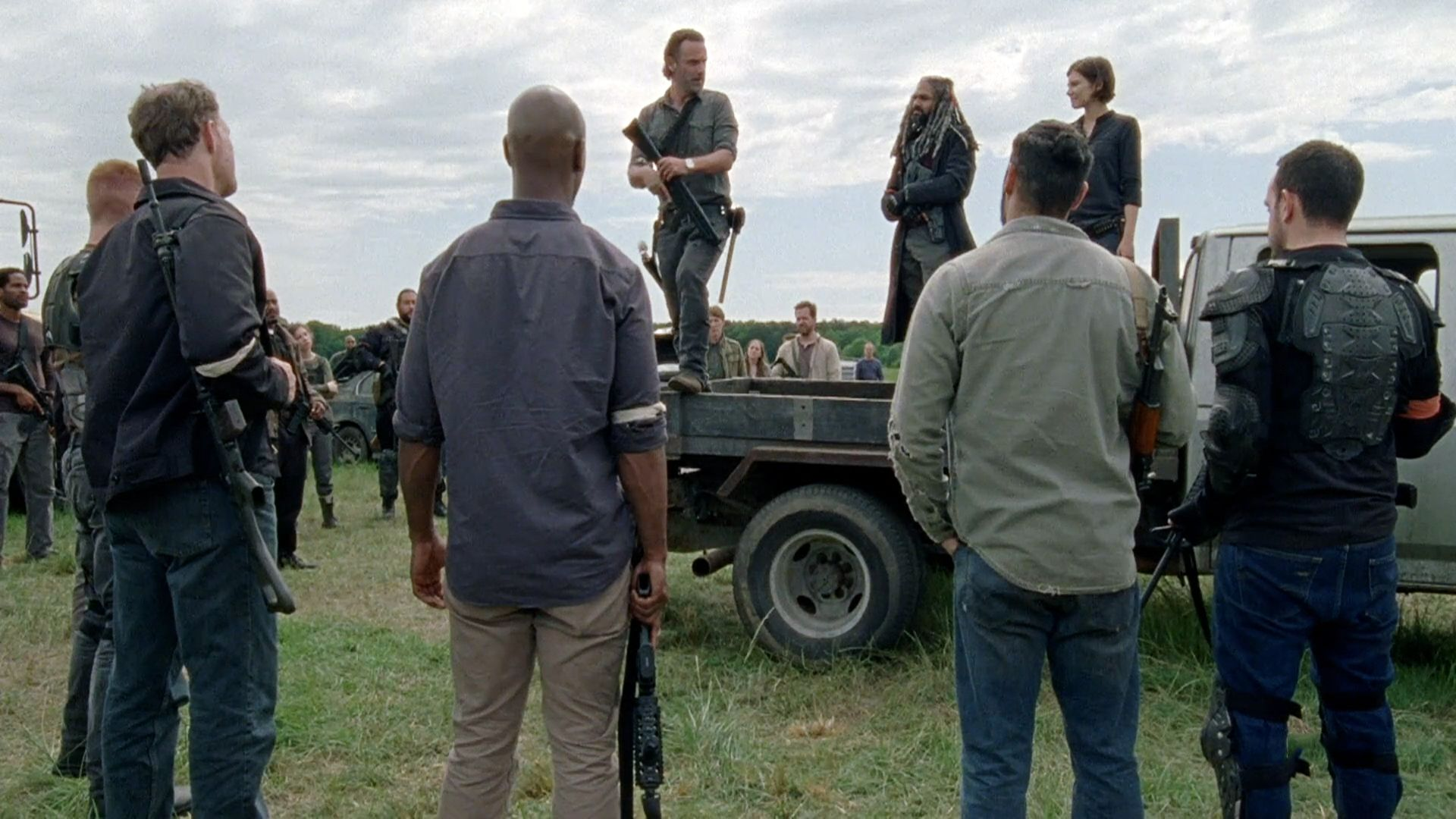 Rick and his group, along with the Kingdom and Hilltop, have banded together to bring the fight to Negan and the Saviors.