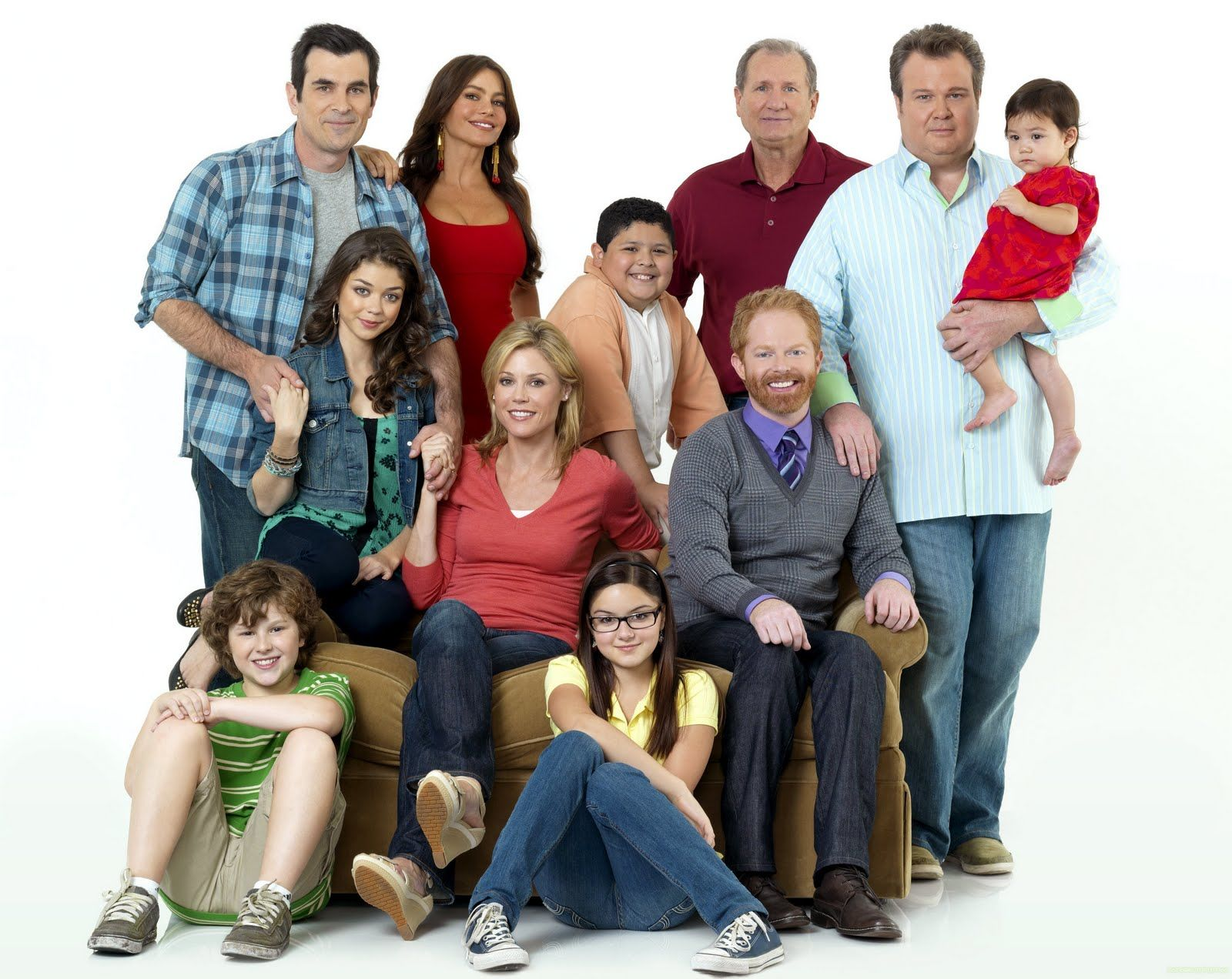 the modern family Modern family is an american television sitcom, created by christopher lloyd and steven levitan, that debuted on abc on september 23, 2009 presented in mockumentary style, the fictional characters frequently talk directly into the camera.