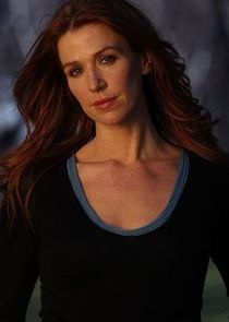Poppy Montgomery Carrie Wells