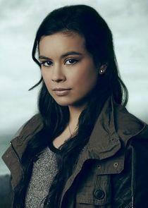 Madalyn Horcher Chloe Solano
