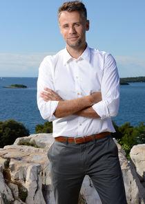 Richard Bacon Host
