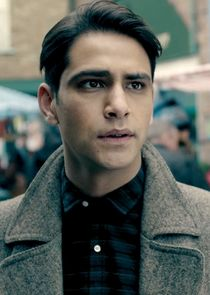 Luke Pasqualino Albert Hill