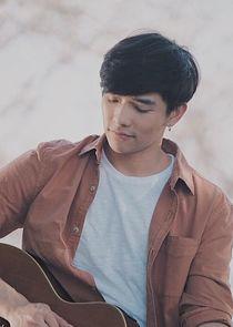 Thanat Lowkhunsombat Play