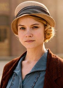 Amelia Davenport