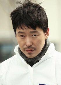 Lee Myung Hyun