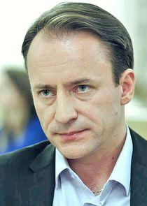 Сергей Фролов Сергей Владимирович Паршин, отец Алины, владелец фармацевтической компании