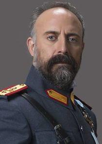 Halit Ergenç Cevdet