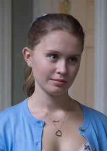 Eliza Scanlen Amma Crellin