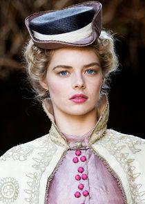 Samara Weaving Irma Leopold