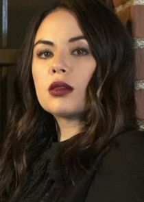 Janel Parrish Mona Vanderwaal