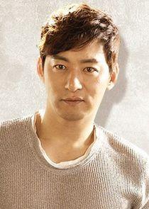 Ji Eun Ho