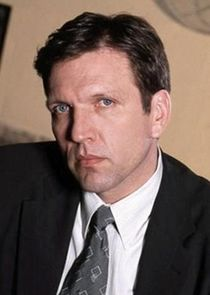 Martin Donovan Dr. Neil Harrison