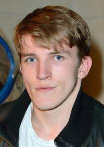 Ewan Mitchell