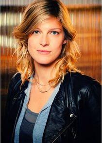 Alexia Barlier Eva