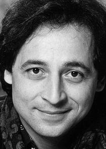 Tony Rosato Lieutenant Lou Gianetti