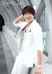 Rain Ji Woo