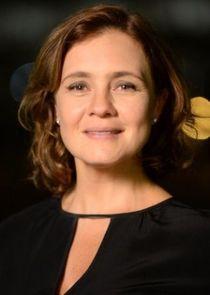 Adriana Esteves Tânia
