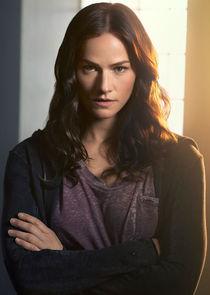 Kelly Overton Vanessa Helsing