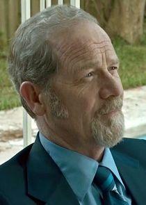Peter Mullan Broker