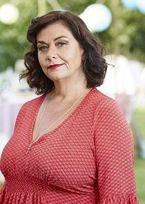 Dawn French Gina Benelli