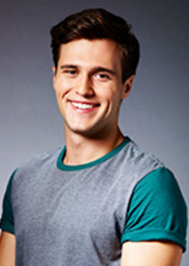Cameron Moulène Josh Bennett